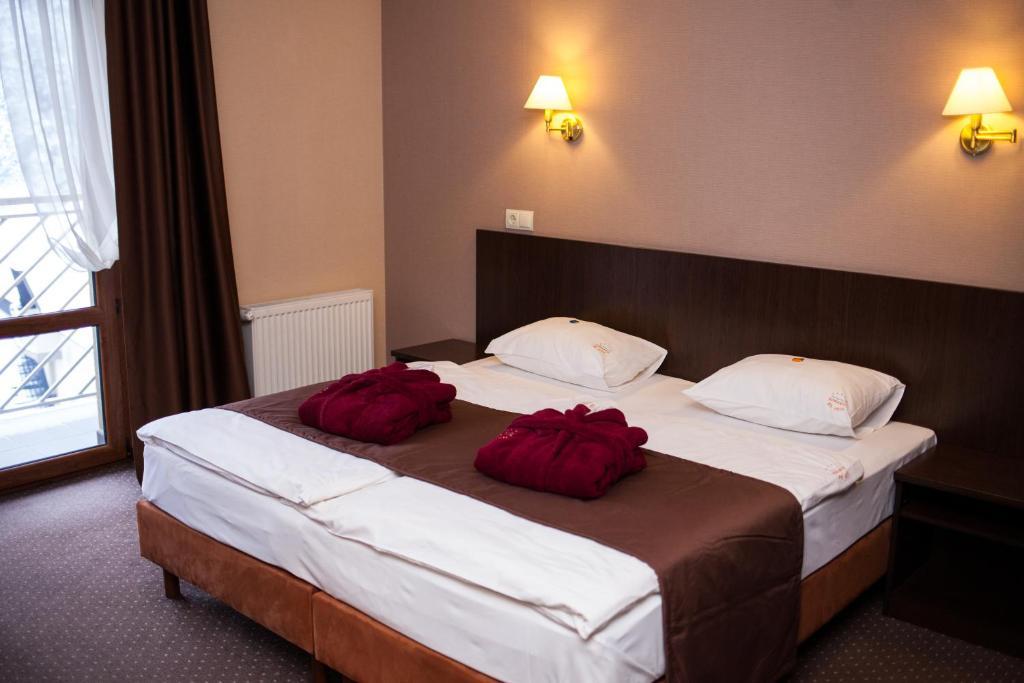 Camera Matrimoniale Doppia Con Letti Singoli.Romantik Spa Hotel Yaremche Affari Imbattibili Su Agoda Com