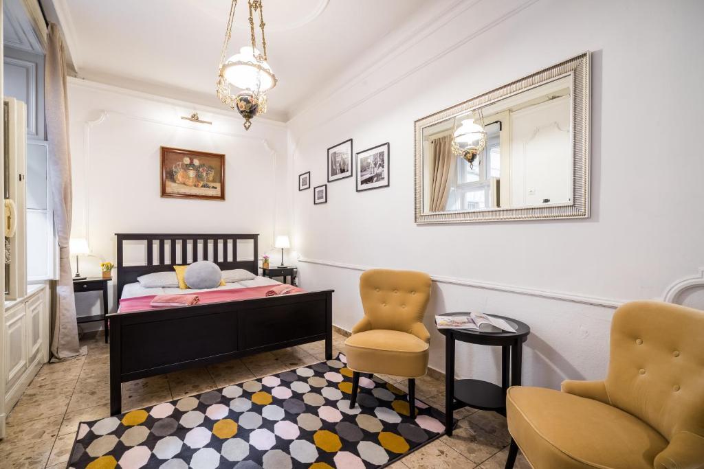 BpR Naomi's Apartment with A/C