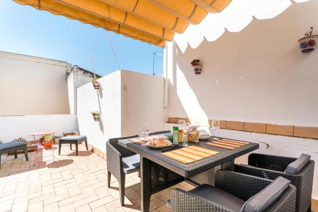 Click Viriato Terraza 2 Apartment In Sevilla Spain Wander