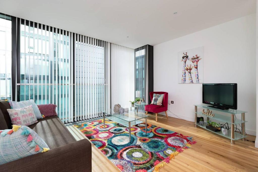 ALTIDO Fantastic one bed on the iconic quatermile