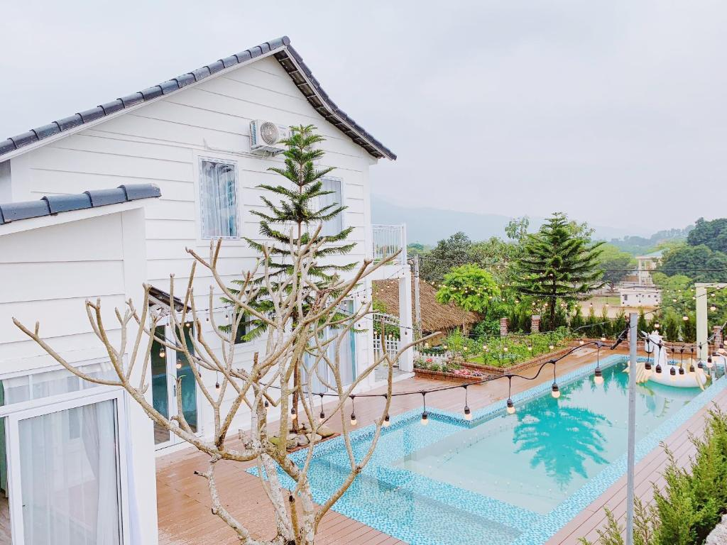Anne Fleur Villa - Luxury Pool & BBQ Cottage