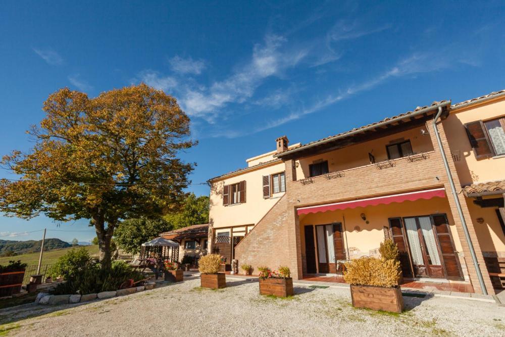 Piobbico Villa Sleeps 4 Pool WiFi