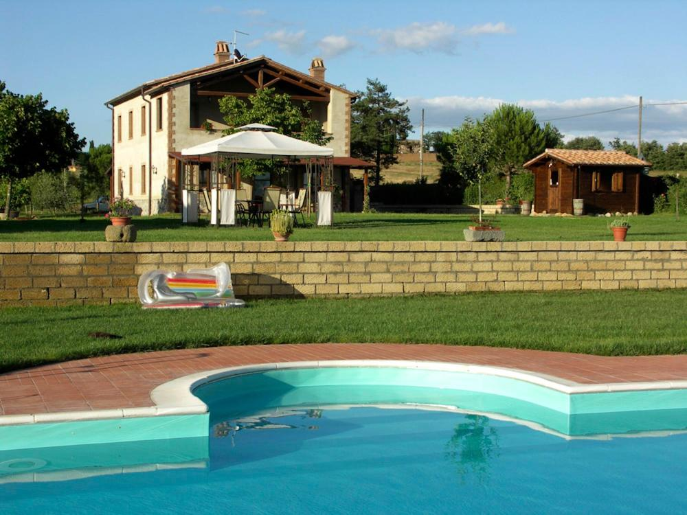 Trevinano Villa Sleeps 3 Pool WiFi