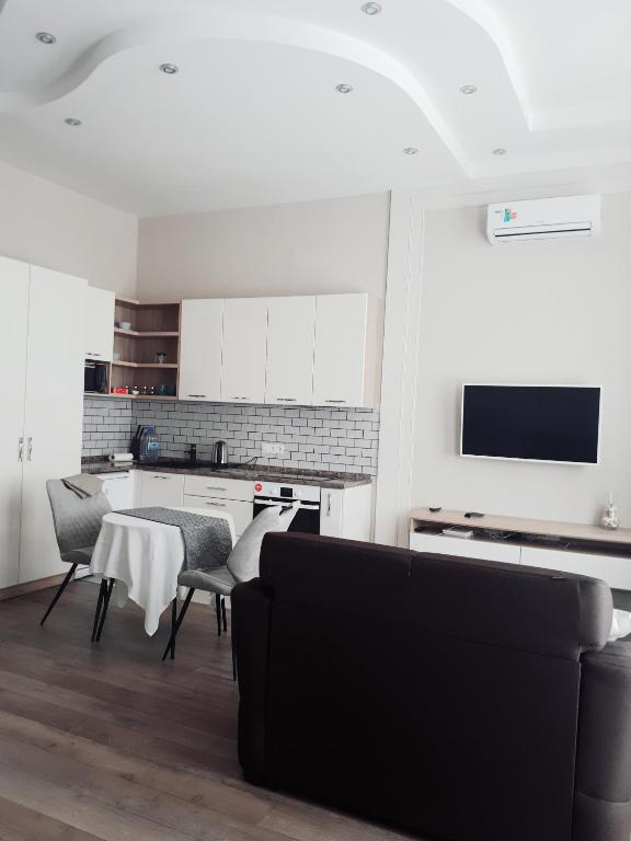 Apartment on Bolshaya Sovetskaya 35