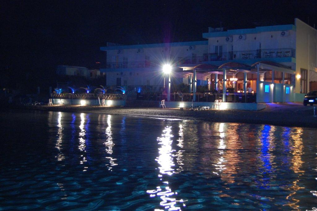 Hotel Artemis Booking Amarynthos