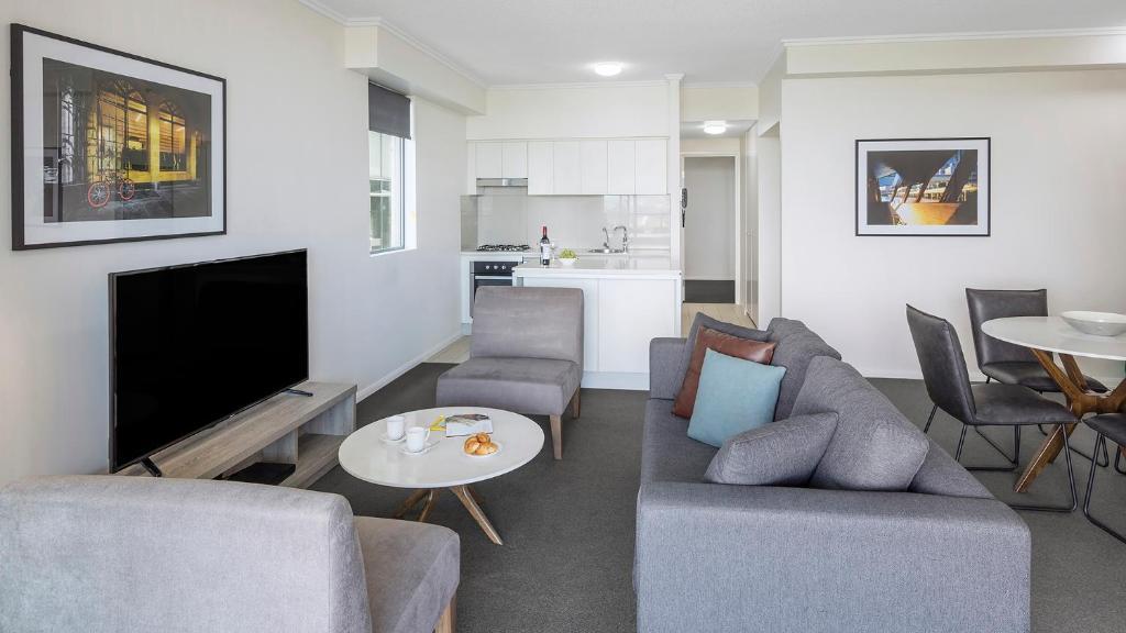 Apartments @ 212 Margaret