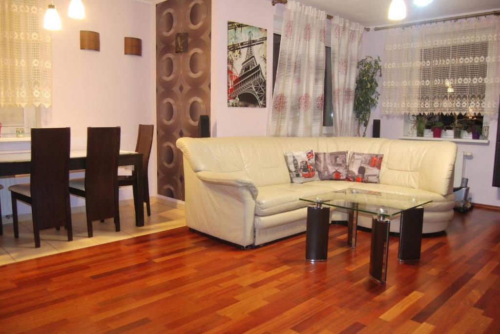 Przestronne 3 Pokoje Z Jacuzzi Apartment In Gdansk Poland Wander