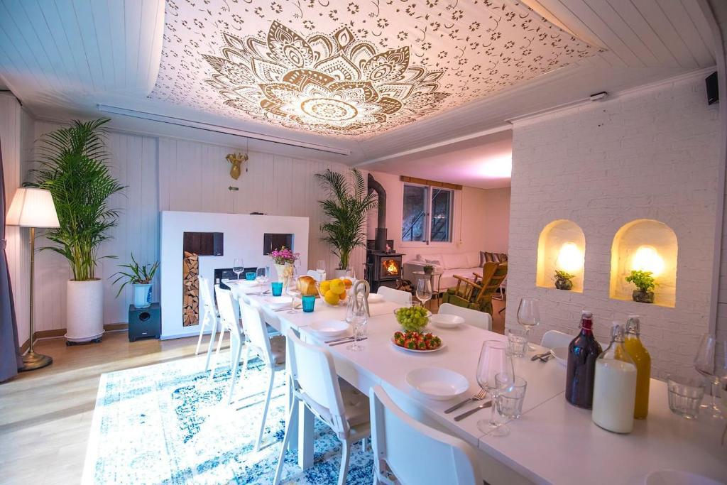 Luxury Holidays Include Van Catering Concierge
