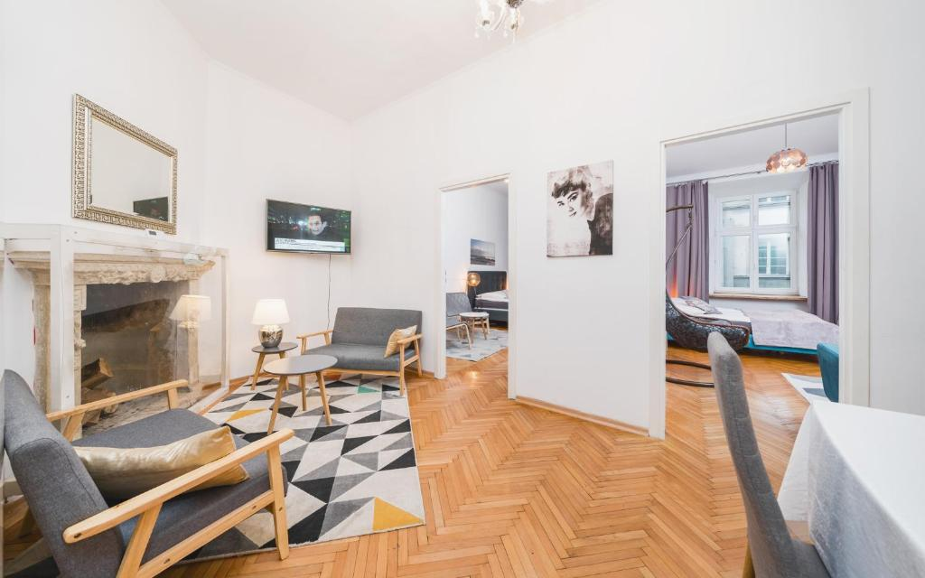 noclegi Kraków Fabulous apartment in the City Center Old Town