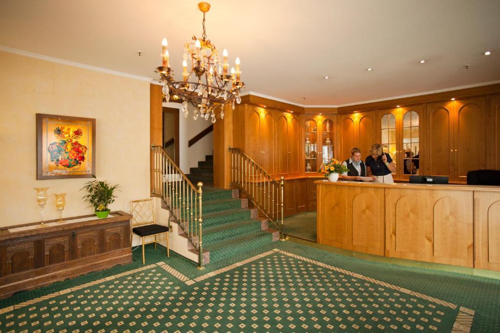 hotel mayer germering reserve o seu hotel com viamichelin. Black Bedroom Furniture Sets. Home Design Ideas