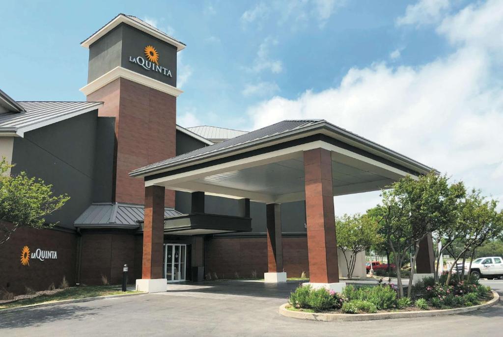 La Quinta by Wyndham Austin Airport