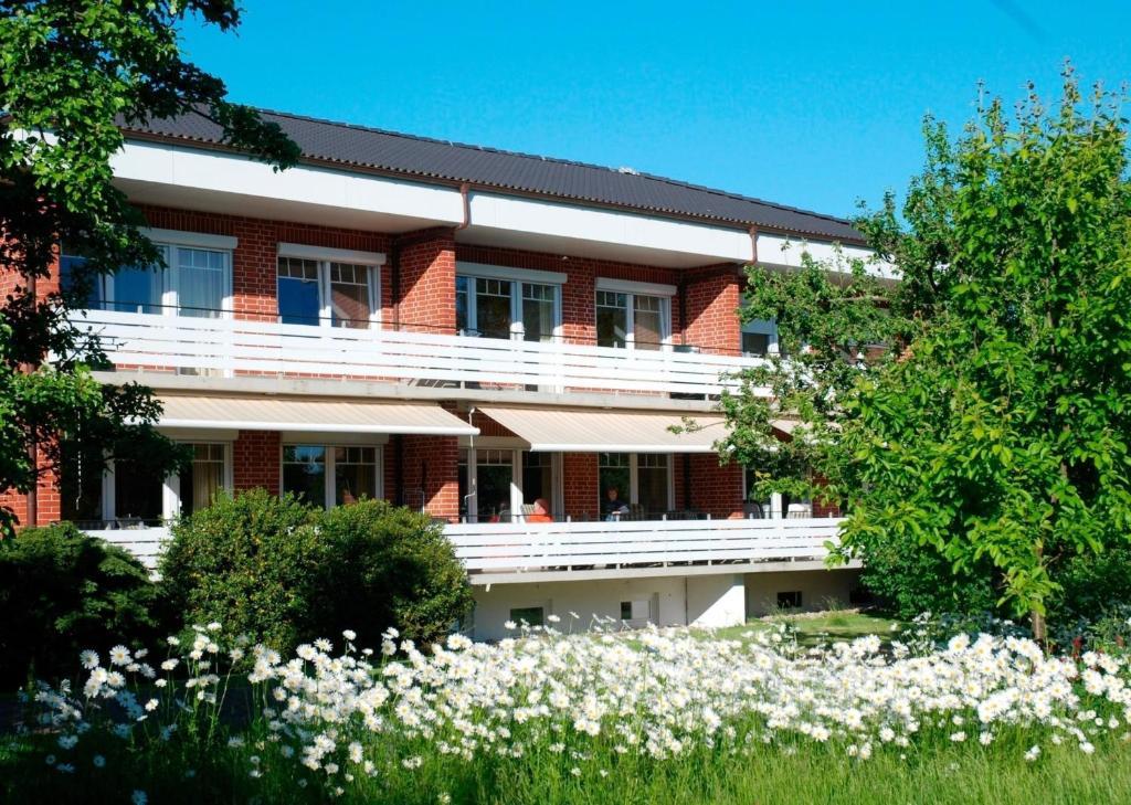 Hotel Zur Schonen Aussicht Gromitz Book Your Hotel With Viamichelin