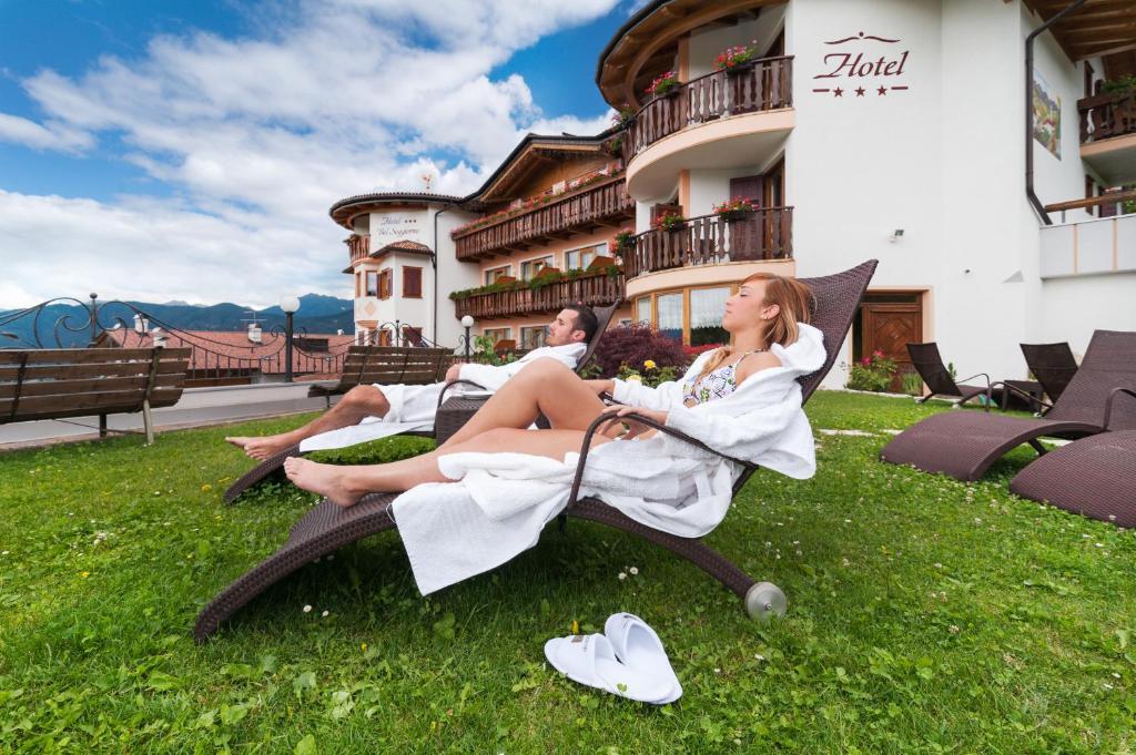 Book Blumen Hotel Bel Soggiorno in Malosco, Italy - 2018 Promos