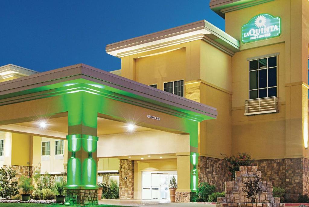 La Quinta by Wyndham Ft. Worth - Forest Hill, TX