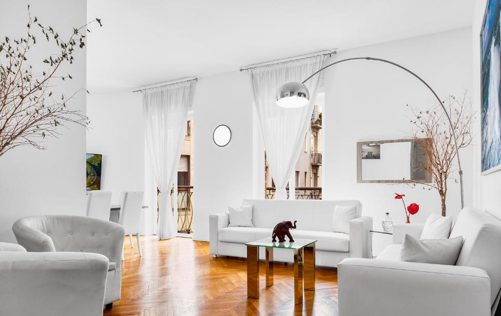 Exclusive 3 bedrooms apartment near Duomo