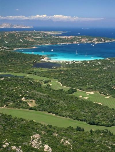 Pevero Golf bild1