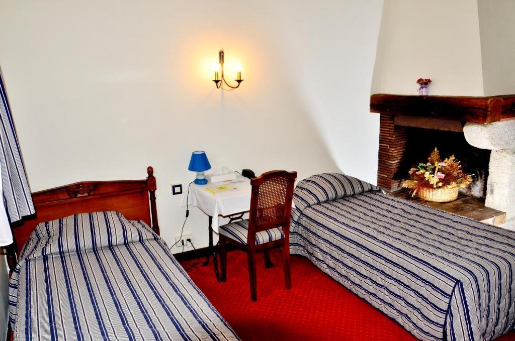 Hotel R De Paris Booking