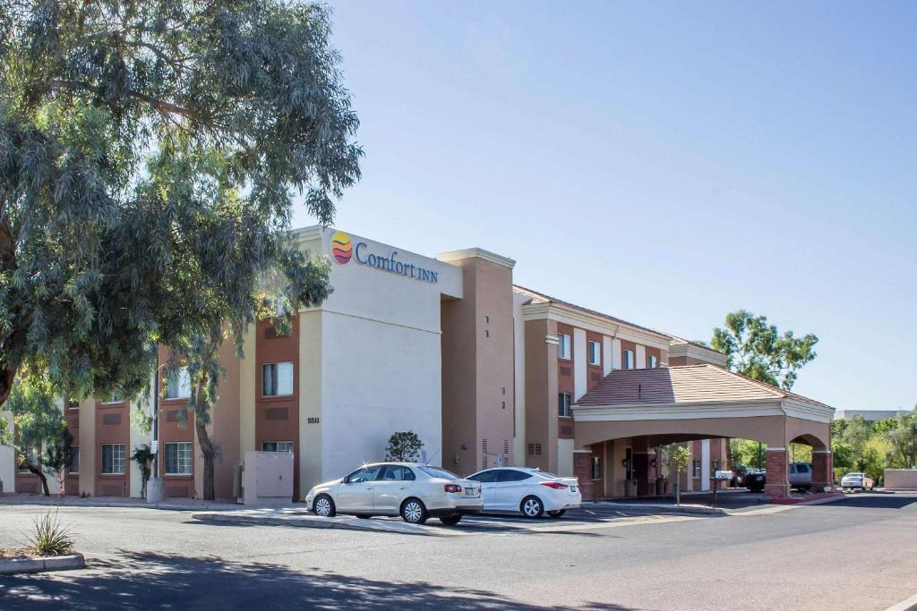 Comfort Inn & Suites North Glendale - Bell Road