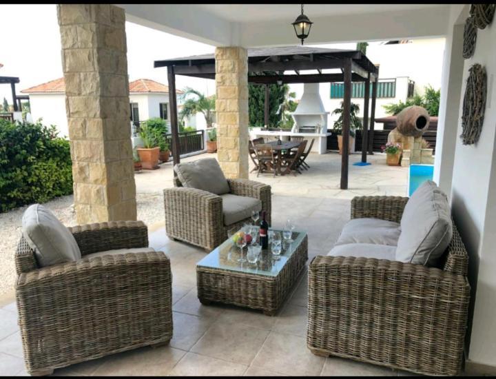 Paradise Villa 14-Peyia