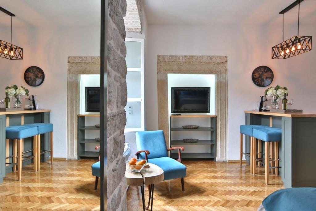 P.S. Cattaro Apartments