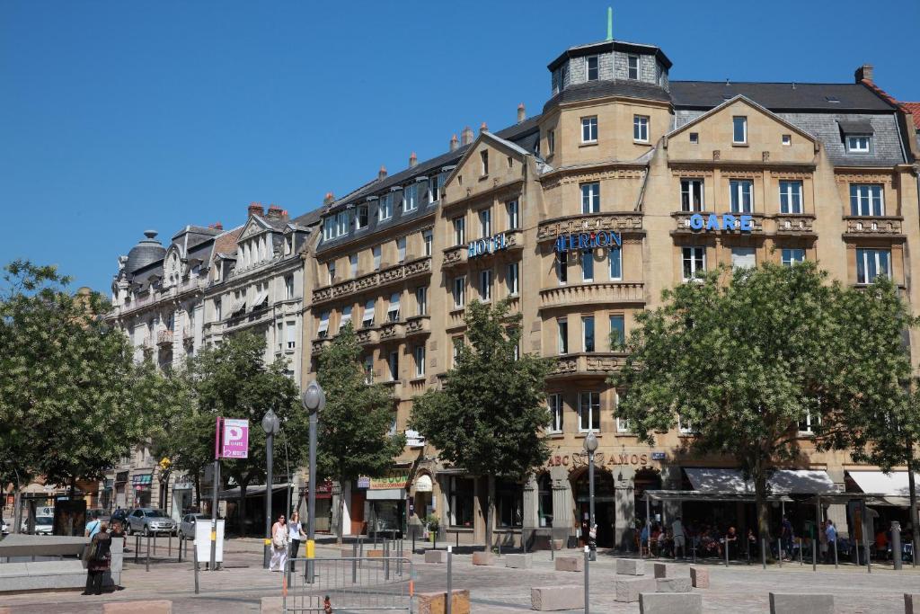 Caf Ef Bf Bd Metz  Rue Gambetta