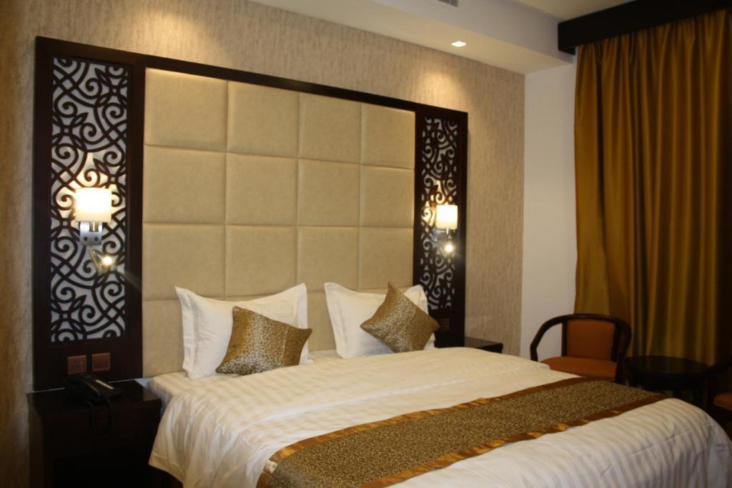 Al Ajwad Hotels hotel booking in Al Ajwad - ViaMichelin