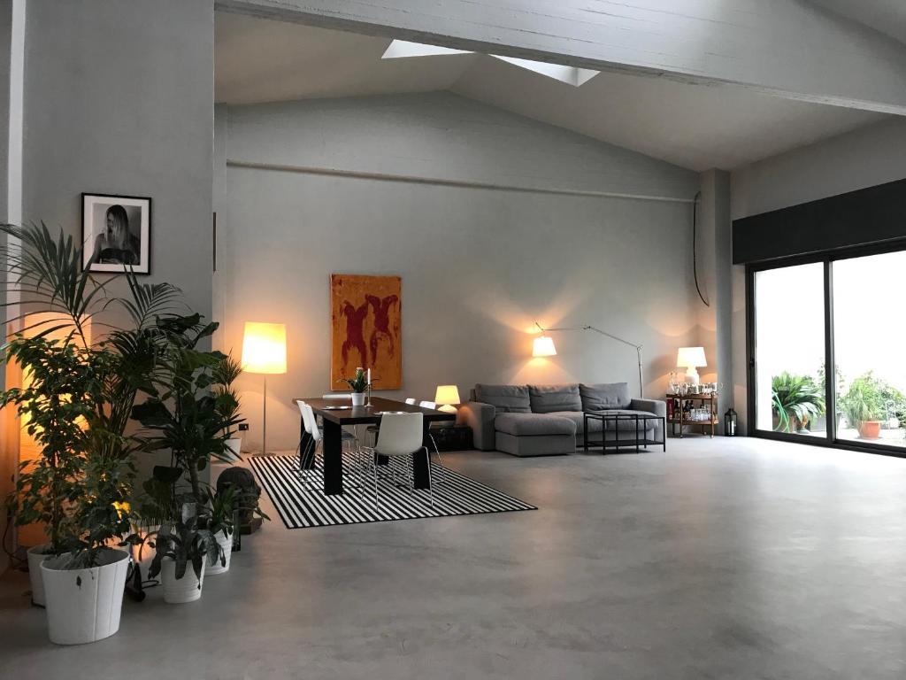 Loft Navigli With Private Garden
