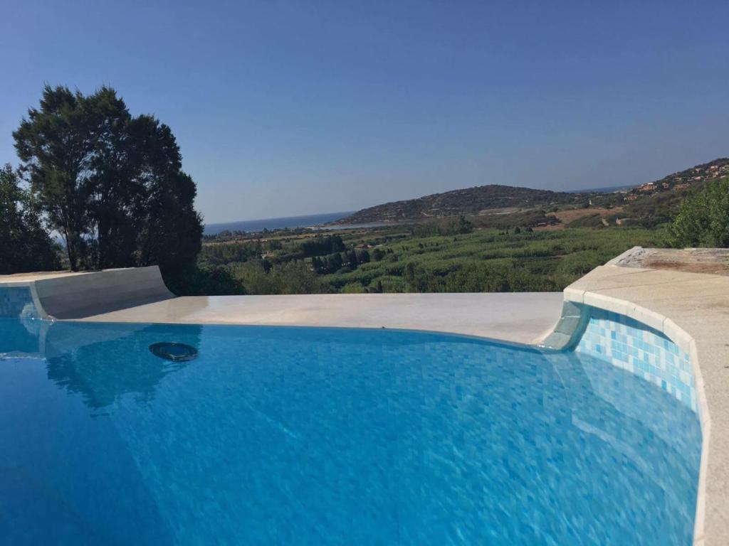 Private Pool villa with panoramic views bild3