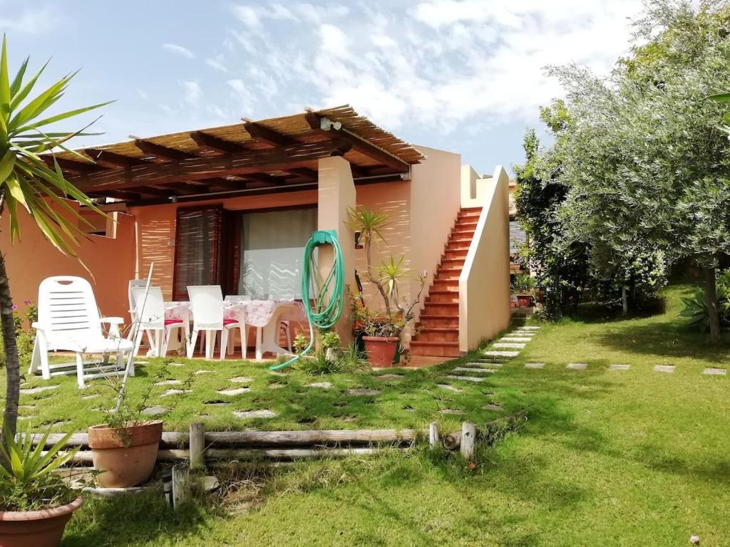 """""""Ruby Seadragon Holiday Home"""" a 80 m dal mare con giardino recintato P5584 image1"""