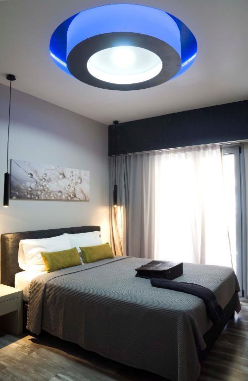 athens jacuzzi suite