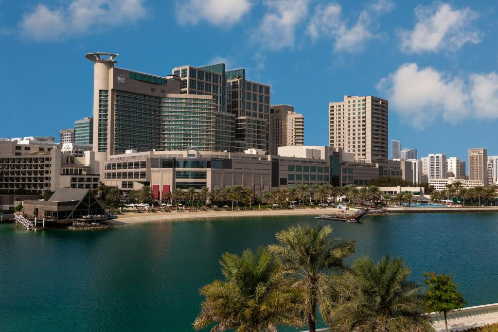 Beach Rotana – All Suites