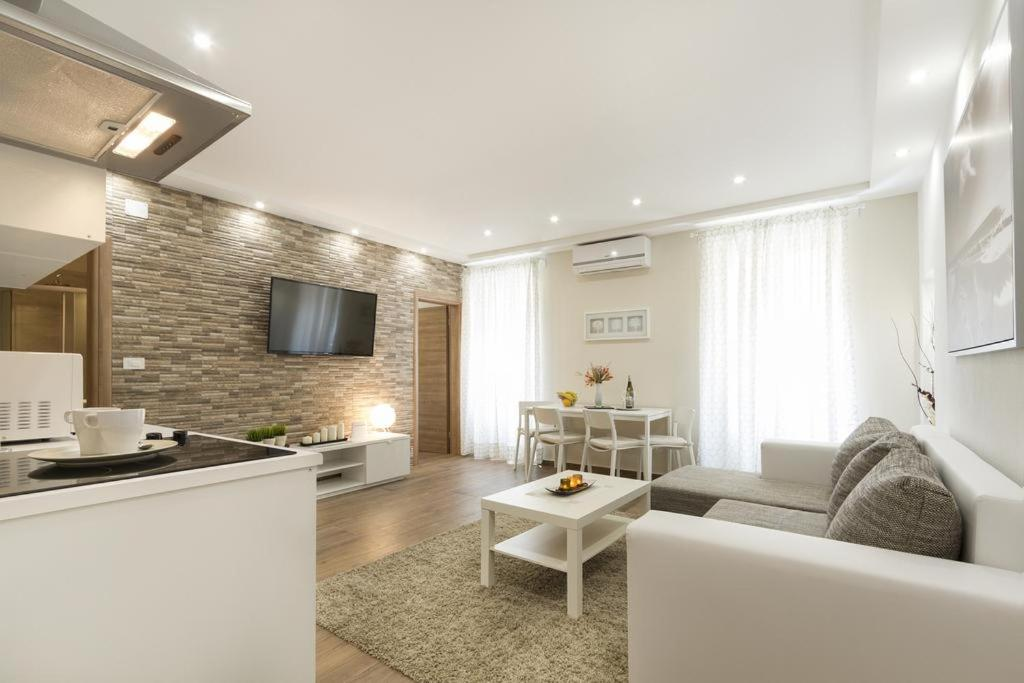 Apartments Elias
