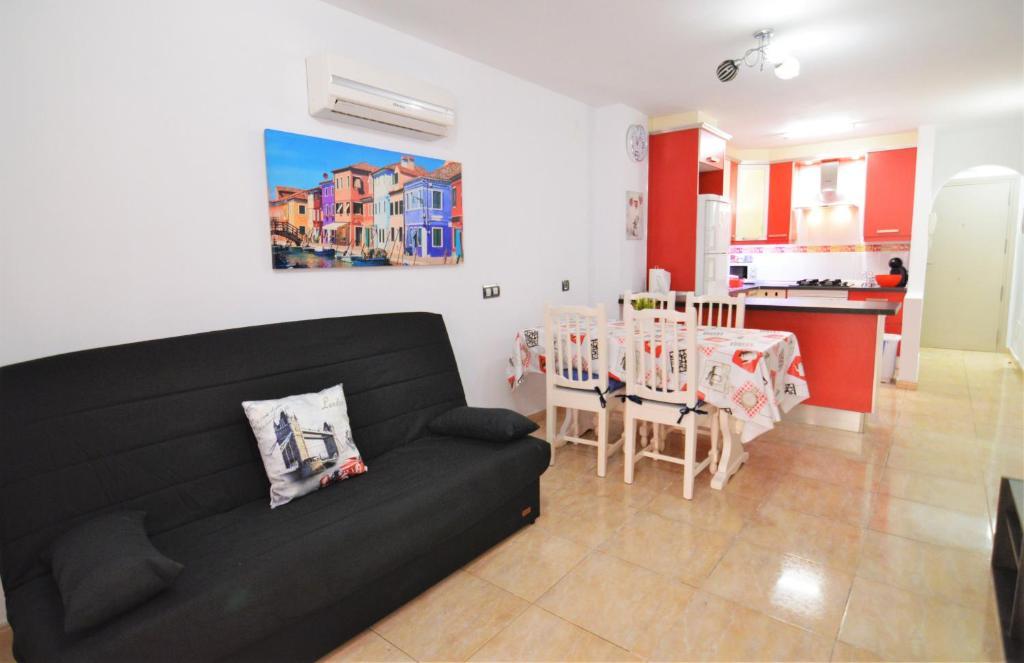 Tenerife Holiday Apartment Los Cristianos Apartment In Los
