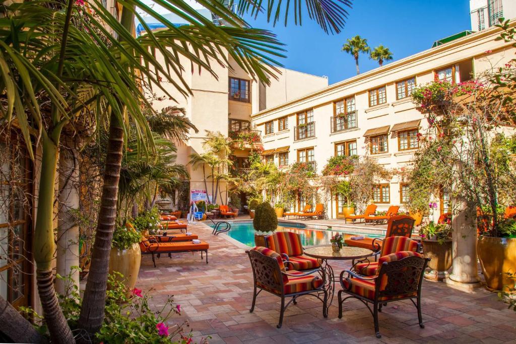 Best Western Plus Sunset Plaza Hotel Photo #22