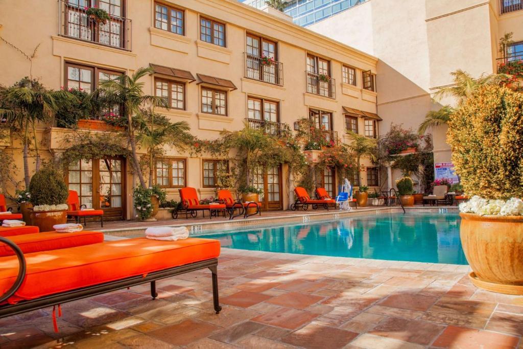 Best Western Plus Sunset Plaza Hotel Photo #30