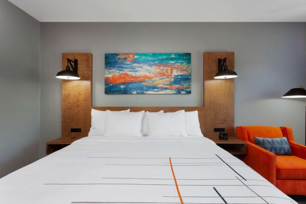 La Quinta by Wyndham Ft. Myers - Sanibel Gateway