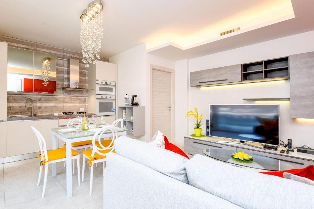Una Terrazza Sul Lago A03 Apartment In San Martino Della