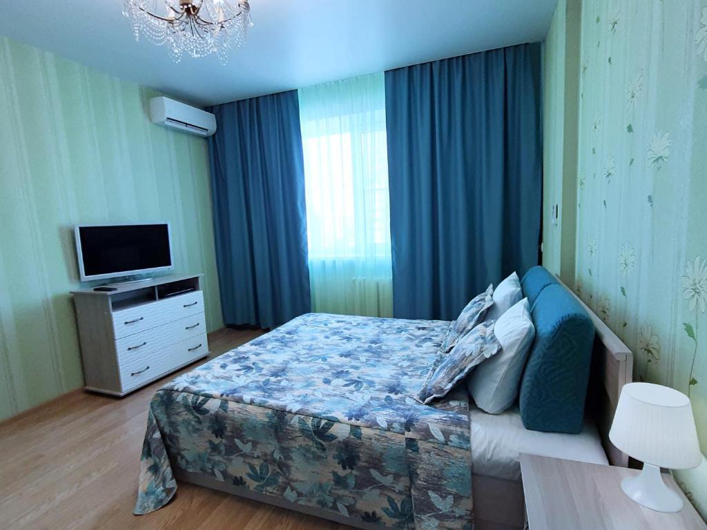 "flat-all 151 Kropotkina двухкомнатная квартира с паркингом до 7 мест рядом с ТРЦ "" Галерея Чижова"""