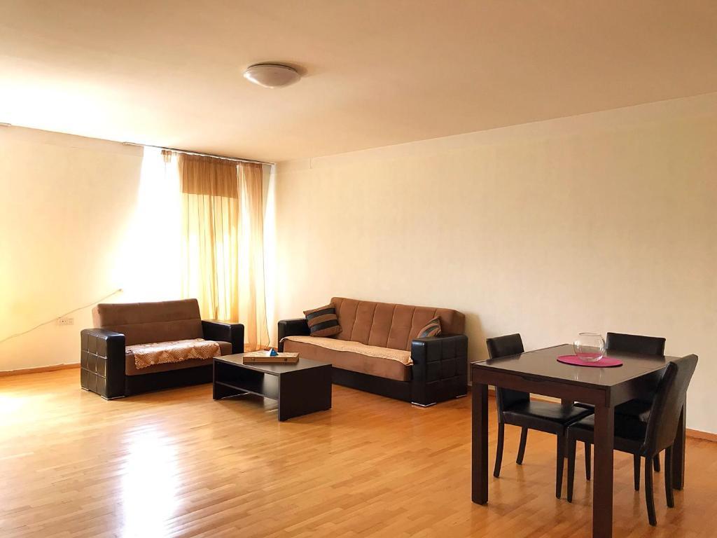 Cozy Apartment 22