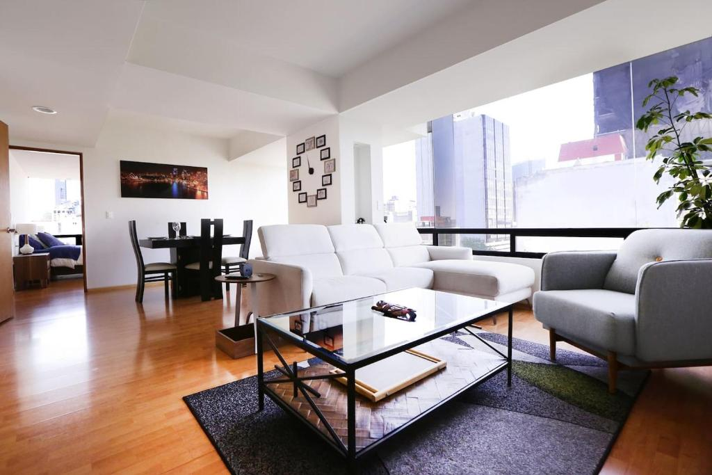 Feel at home - Huge apartment - Awesome views!