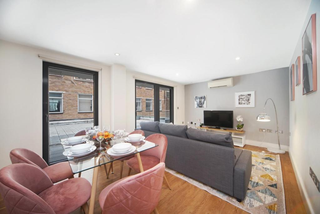 Modern Apartments in Bayswater Central London FREE WIFI & AIRCON by City Stay London