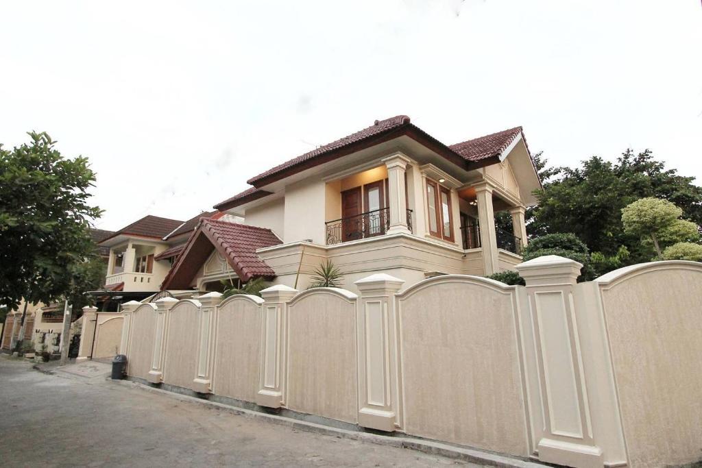 Fernasya House