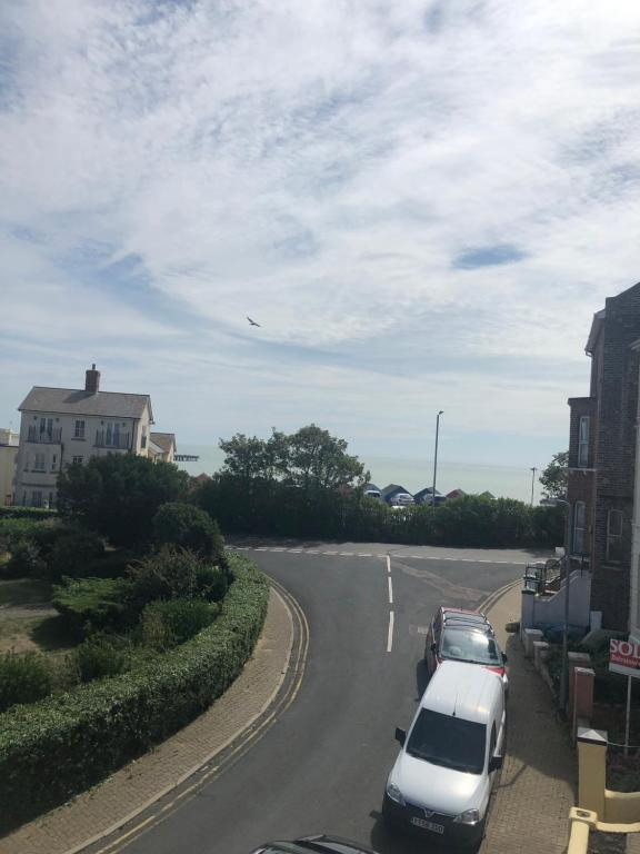 Manningtree - Walton-on-the-Naze route planner - distance