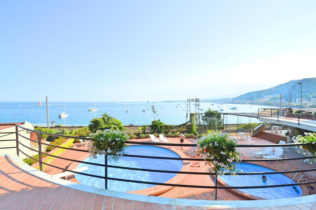 Taormina Mare Holiday House Apartment In Taormina Italy