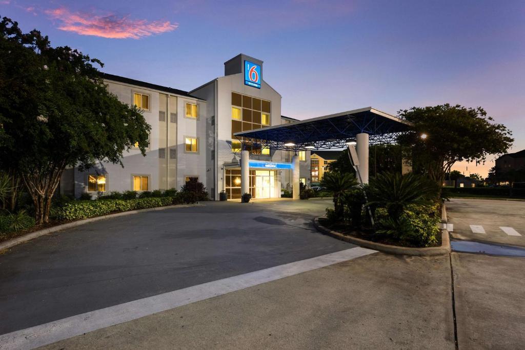 Motel 6-Orlando, FL - International Dr