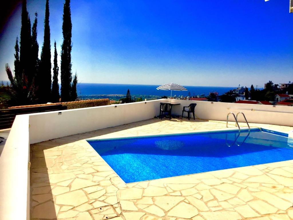 Stunning sea view apartment with private pool