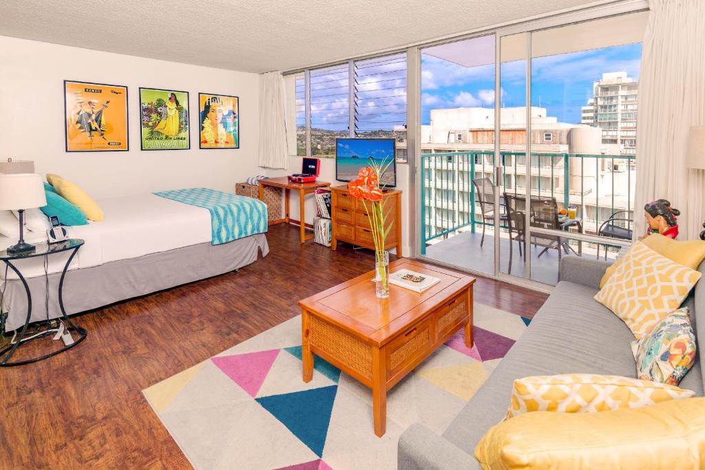 Aloha Surf with Ocean Views 14th Floor