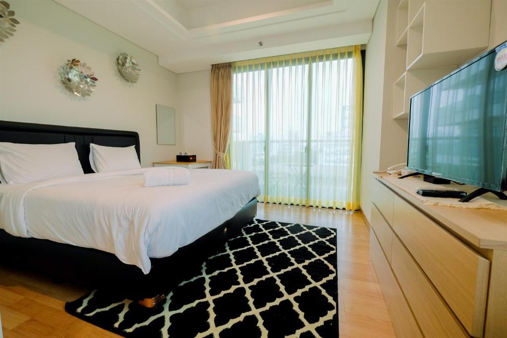 Monas View Studio Apartment at Capitol Suites By Travelio