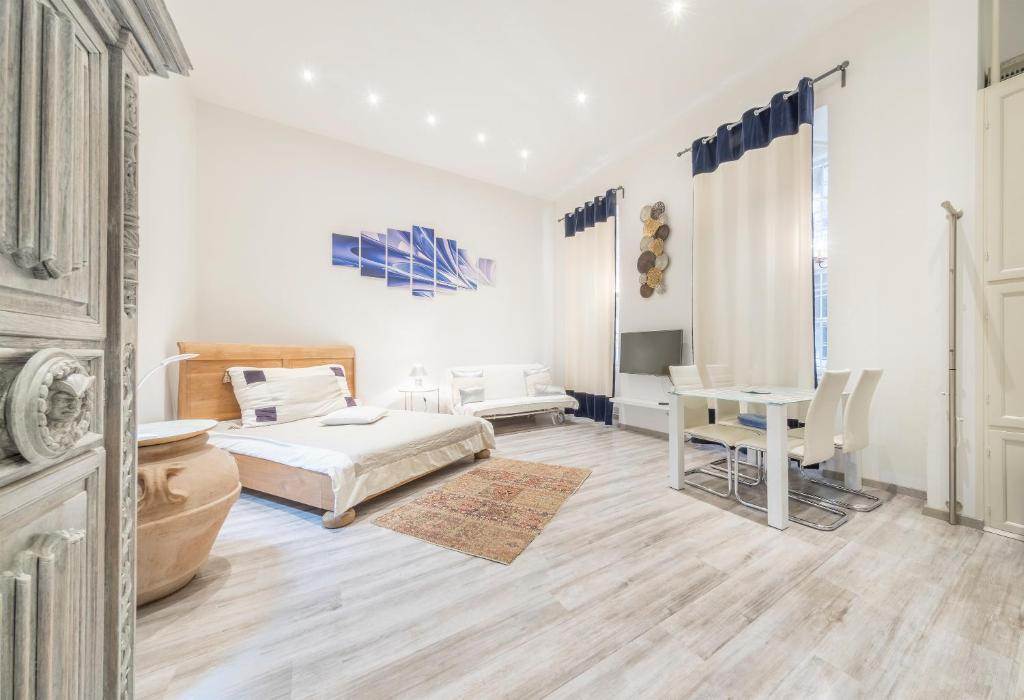 ATLANTA apartment is in the heart of Budapest
