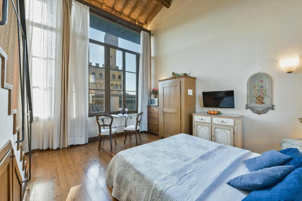 Palazzo Uguccioni Apartments
